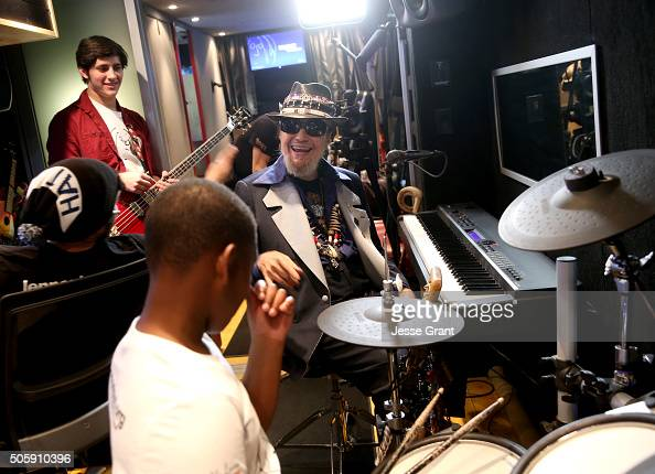Singersongwriter Dr John Jams with convention goers at the 2016 NAMM Show and First Look at the Anaheim Convention Center on January 20 2016 in...