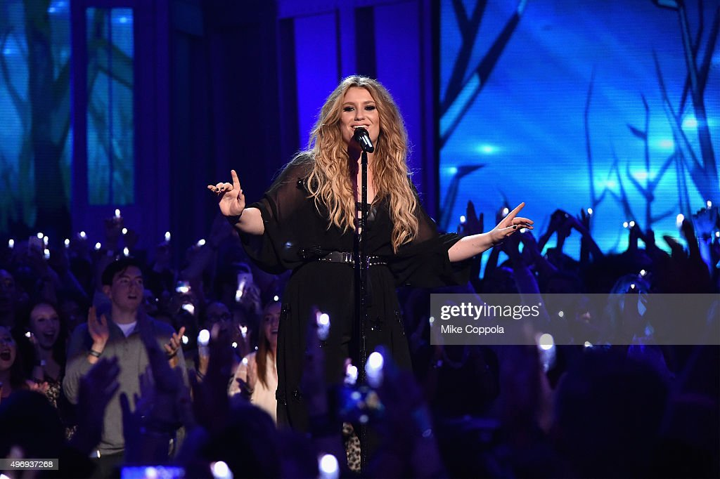 Singer-songwriter Ella Henderson performs onstage during the VH1 Big Music in 2015: You Oughta Know Concert at The Armory Foundation on November 12, 2015 in New York City.