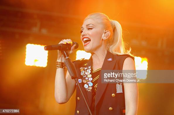 Singersongwriter Gwen Stefani of No Doubt performs onstage at the Global Citizen 2015 Earth Day Courtesy of Partner Citi at National Mall on April 18...