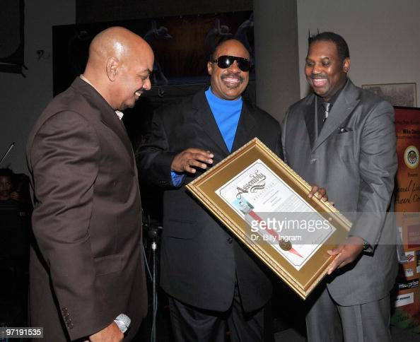 Singer/songwriter James Ingram singer Stevie Wonder and California State Assemblymember Mike Davis attend the Living Legends Award ceremony honoring...