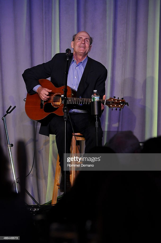 Singer-Songwriter <a gi-track='captionPersonalityLinkClicked' href=/galleries/search?phrase=James+Taylor+-+Songwriter&family=editorial&specificpeople=206431 ng-click='$event.stopPropagation()'>James Taylor</a> performs at the 2014 UJA-Federation of New York's Leadership Awards Dinner at Pier Sixty at Chelsea Piers on April 8, 2014 in New York City.
