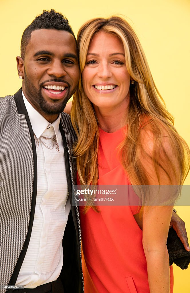 Singersongwriter Jason Derulo and TV presenter Cat Deeley pose for a portrait during the 2015 Teen Choice Awards FOX Portrait Studio at Galen Center...