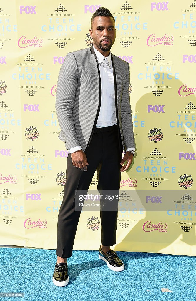 Singer/songwriter Jason Derulo attends the Teen Choice Awards 2015 at the USC Galen Center on August 16, 2015 in Los Angeles, California.
