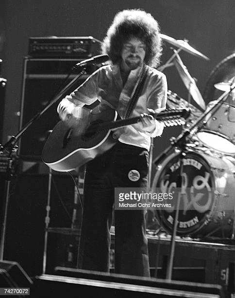 Singer/songwriter Jeff Lynne of Electric Light Orchestra performs onstage in circa 1977