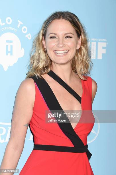 Singersongwriter Jennifer Nettles arrives at the Variety And Women In Film's 2017 PreEmmy Celebration at Gracias Madre on September 15 2017 in West...