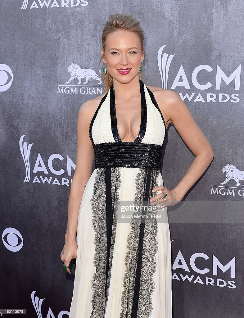 Singer/songwriter Jewel attends the 49th Annual Academy Of Country Music Awards at the MGM Grand Garden Arena on April 6, 2014 in Las Vegas, Nevada.