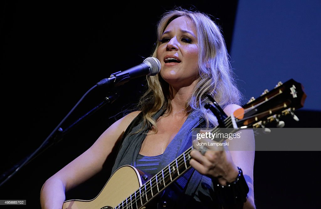 Singer/songwriter Jewel performs at the 6th Annual Voss Foundation Women Helping Women New York Luncheon at Stephen Weiss Studio on November 5 2015...