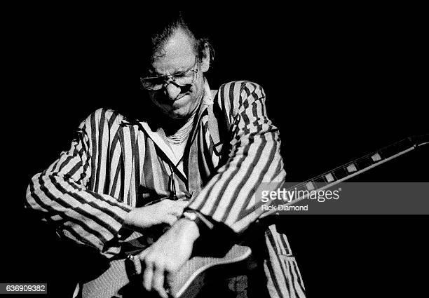 Singer/Songwriter Joe Walsh performs at Chastain Park amphitheater in Atlanta Georgia August 25 1991
