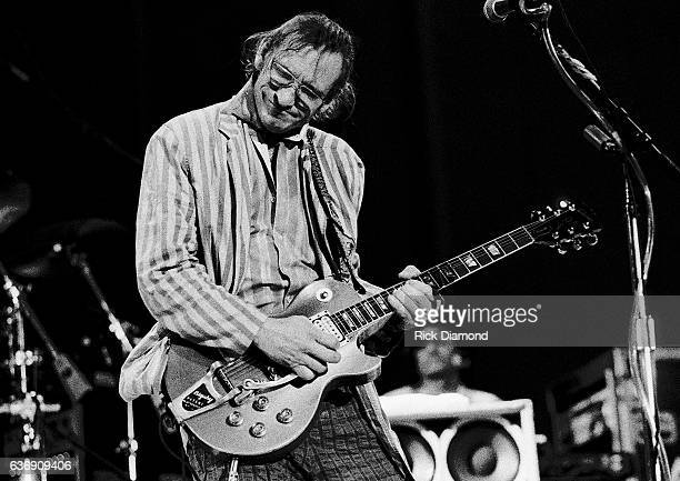 Singer/Songwriter Joe Walsh performs at Chastain Park amphitheater in Atlanta Georgia August 25 1991