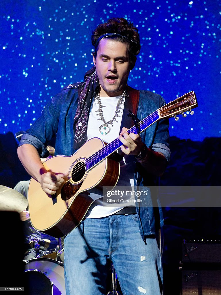 Singer-songwriter <a gi-track='captionPersonalityLinkClicked' href=/galleries/search?phrase=John+Mayer&family=editorial&specificpeople=201930 ng-click='$event.stopPropagation()'>John Mayer</a> performs during Born and Raised World Tour 2013 at Susquehanna Bank Center on August 23, 2013 in Camden, New Jersey.