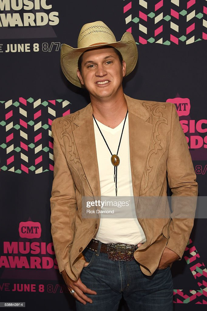 Singer-songwriter Jon Pardi attends the 2016 CMT Music awards at the Bridgestone Arena on June 8, 2016 in Nashville, Tennessee.