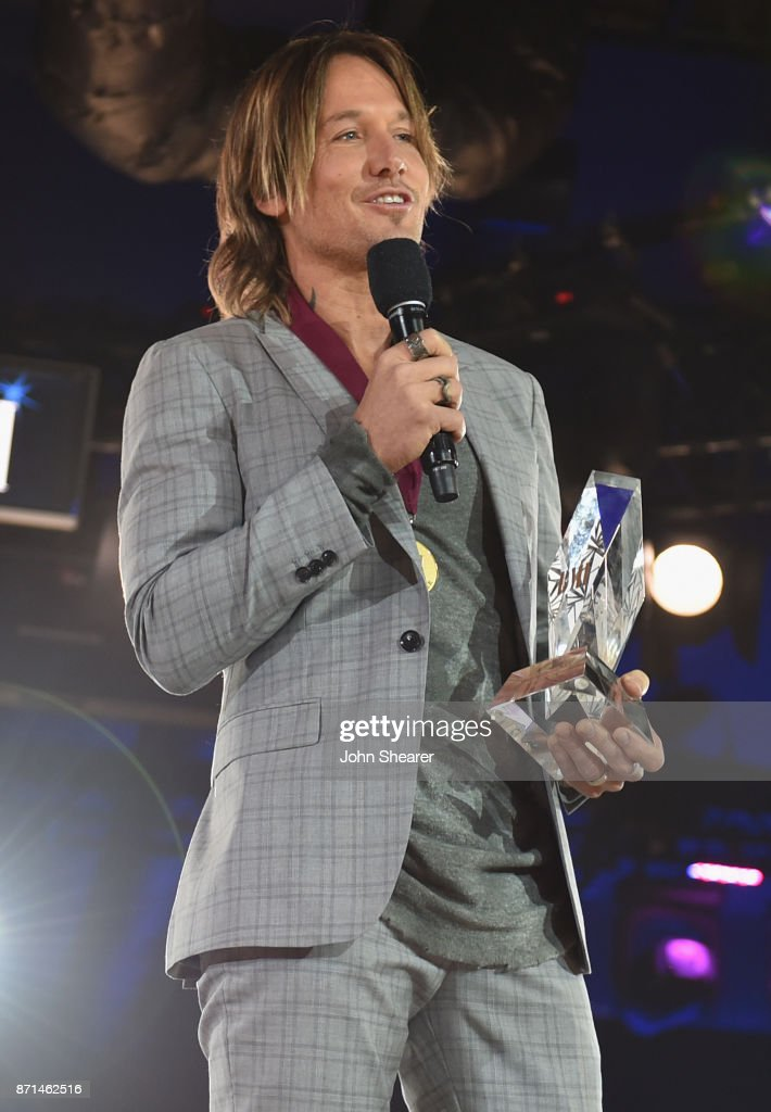 Singer-songwriter Keith Urban accepts the BMI Champion Award onstage during the 65th Annual BMI Country Awards at BMI on November 7, 2017 in Nashville, Tennessee.