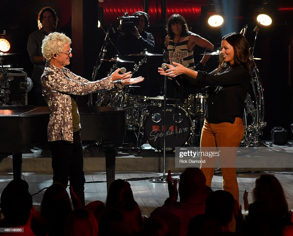 CMT Crossroads: REO Speedwagon And Sara Evans
