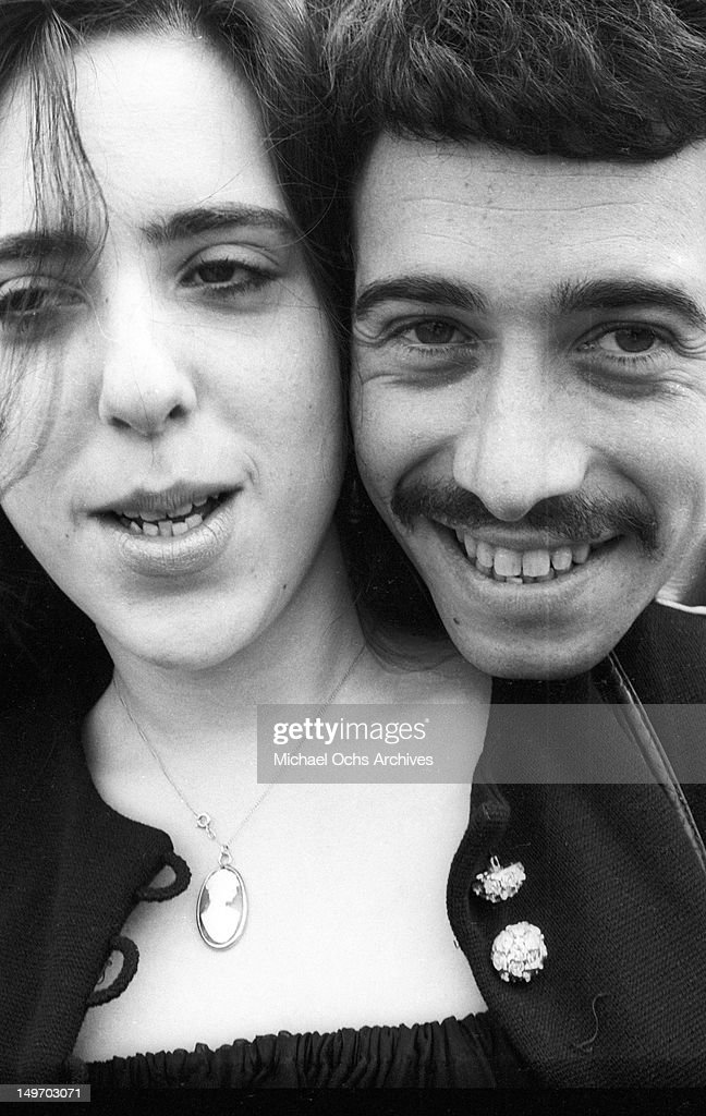 Singer/songwriter Laura Nyro and manager and partner David Geffen pose for a portrait session on September 13, 1969 in New York, New York.