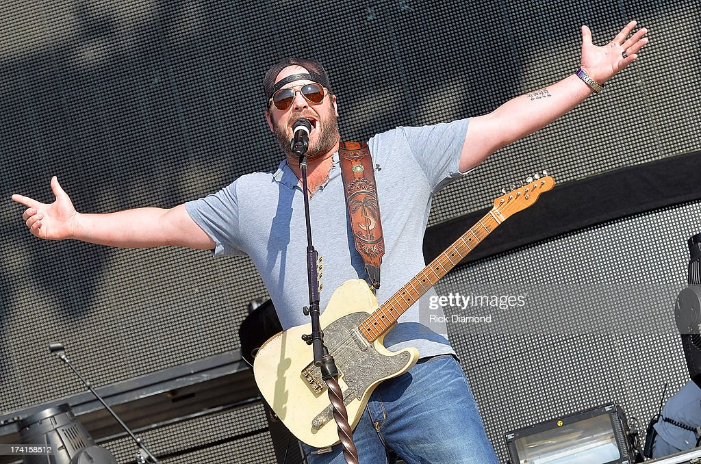 Singer/Songwriter <a gi-track='captionPersonalityLinkClicked' href=/galleries/search?phrase=Lee+Brice&family=editorial&specificpeople=4290648 ng-click='$event.stopPropagation()'>Lee Brice</a> perfotms at Country Thunder - Twin Lakes, Wisconsin - Day 3 on July 20, 2013 in Twin Lakes, Wisconsin.