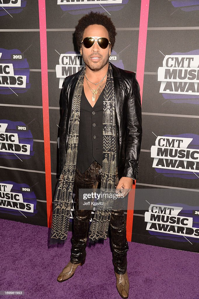 Singer-songwriter <a gi-track='captionPersonalityLinkClicked' href=/galleries/search?phrase=Lenny+Kravitz&family=editorial&specificpeople=171613 ng-click='$event.stopPropagation()'>Lenny Kravitz</a> arrives at the 2013 CMT Music Awards at the Bridgestone Arena on June 5, 2013 in Nashville, Tennessee.