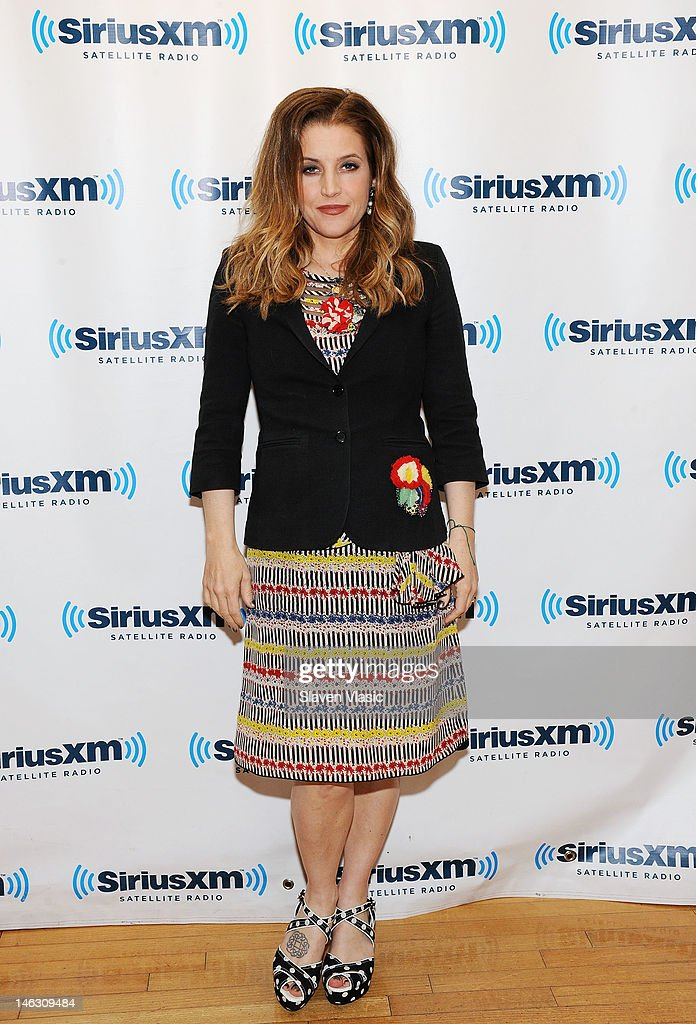 Singer/songwriter <a gi-track='captionPersonalityLinkClicked' href=/galleries/search?phrase=Lisa+Marie+Presley&family=editorial&specificpeople=202037 ng-click='$event.stopPropagation()'>Lisa Marie Presley</a> visits SiriusXM Studio on June 13, 2012 in New York City.