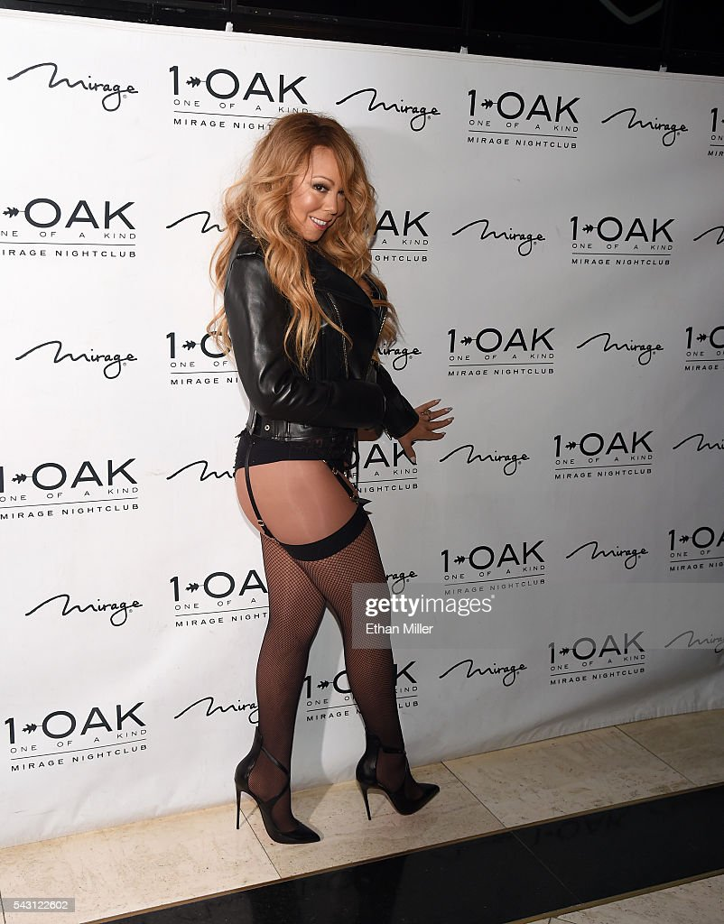Singer/songwriter <a gi-track='captionPersonalityLinkClicked' href=/galleries/search?phrase=Mariah+Carey&family=editorial&specificpeople=171647 ng-click='$event.stopPropagation()'>Mariah Carey</a> arrives at 1 OAK Nightclub at the Mirage Hotel & Casino to debut her DJ set on June 26, 2016 in Las Vegas, Nevada.