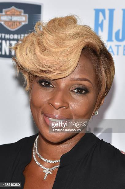 Singersongwriter Mary J Blige attends Kiehl's LifeRide Finale Event on August 12 2014 in New York City