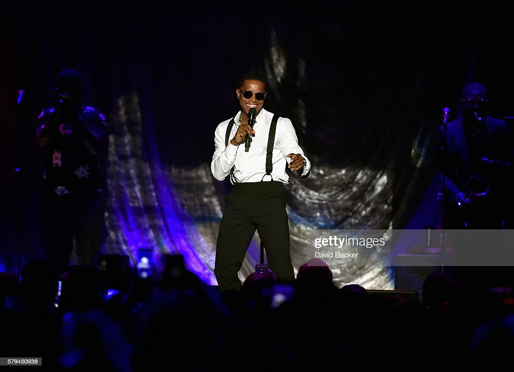 Singer/songwriter Maxwell performs during the 2016 Neighborhood Awards hosted by Steve Harvey at the Mandalay Bay Events Center on July 23, 2016 in Las Vegas, Nevada.