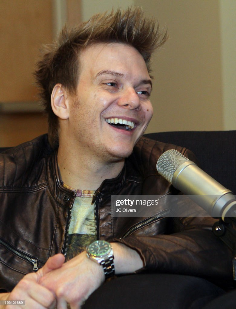 Singer/songwriter <a gi-track='captionPersonalityLinkClicked' href=/galleries/search?phrase=Michel+Telo&family=editorial&specificpeople=8785378 ng-click='$event.stopPropagation()'>Michel Telo</a> attends the 13th annual Latin GRAMMY Awards Univision Radio Remotes held at the Mandalay Bay Events Center on November 14, 2012 in Las Vegas, Nevada.