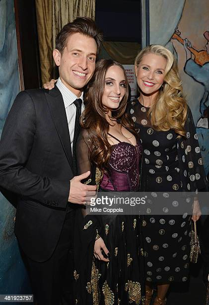 Singer/songwriter Peter Cincotti singer/songwriter Alexa Ray Joel and model Christie Brinkley attend pose for a picture after Alexa performed at Cafe...
