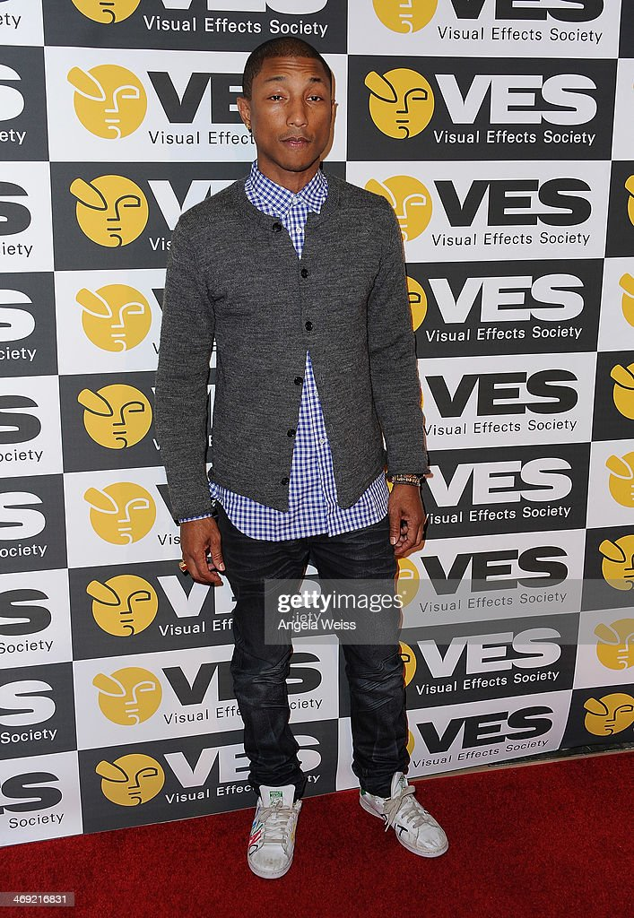 Singer-songwriter <a gi-track='captionPersonalityLinkClicked' href=/galleries/search?phrase=Pharrell+Williams&family=editorial&specificpeople=161396 ng-click='$event.stopPropagation()'>Pharrell Williams</a> attends the Visual Effects Society's 12th Annual VES Awards at The Beverly Hilton Hotel on February 12, 2014 in Beverly Hills, California.