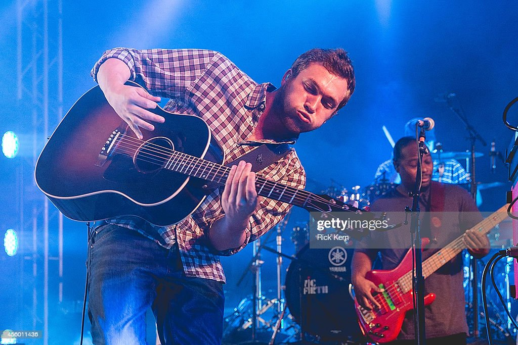 Singer-songwriter <a gi-track='captionPersonalityLinkClicked' href=/galleries/search?phrase=Phillip+Phillips&family=editorial&specificpeople=1651494 ng-click='$event.stopPropagation()'>Phillip Phillips</a> performs in concert at Stubb's Bar-B-Q on September 23, 2014 in Austin, Texas.