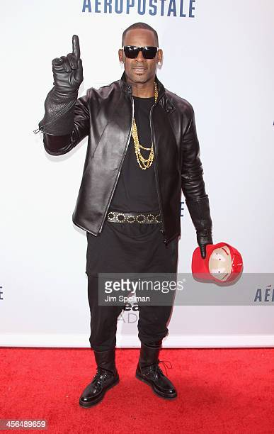 Singer/songwriter R Kelly attends Z100's Jingle Ball 2013 at Madison Square Garden on December 13 2013 in New York City