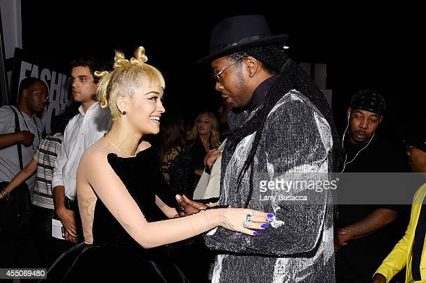Singersongwriter Rita Ora and hiphop artist 2 Chainz attend Fashion Rocks 2014 presented by Three Lions Entertainment at the Barclays Center of...