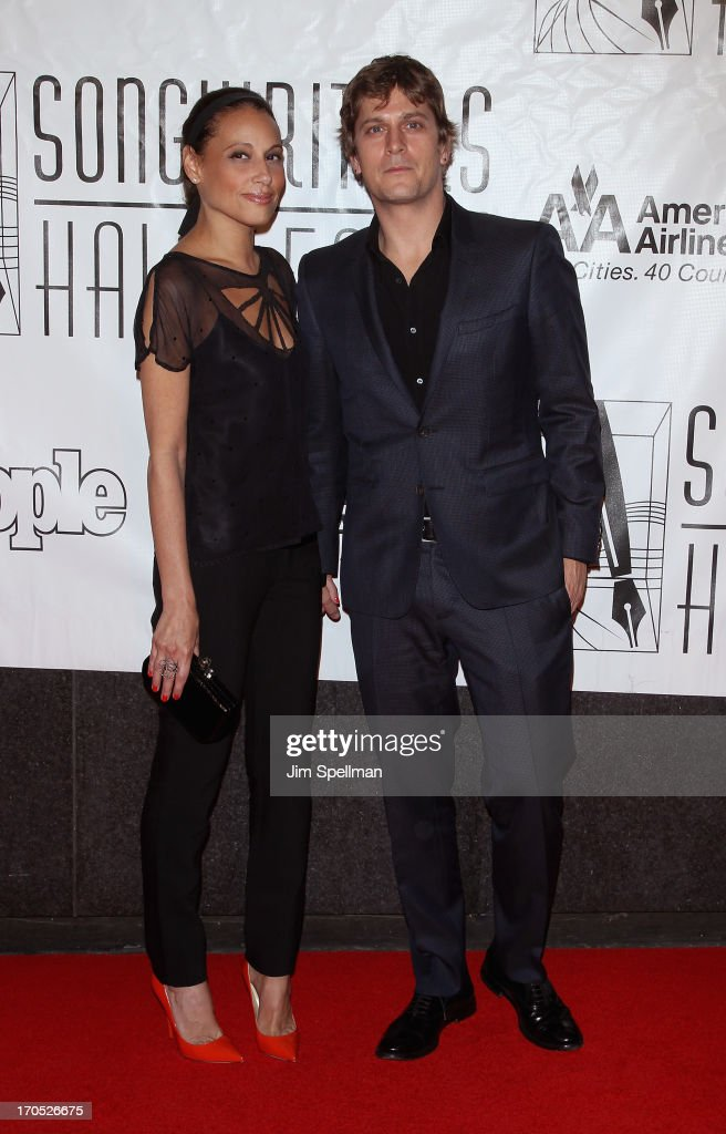Singer/songwriter Rob Thomas (R) and wife Marisol Maldonado attend the 2013 Songwriters Hall Of Fame Gala at Marriott Marquis Hotel on June 13, 2013 in New York City.