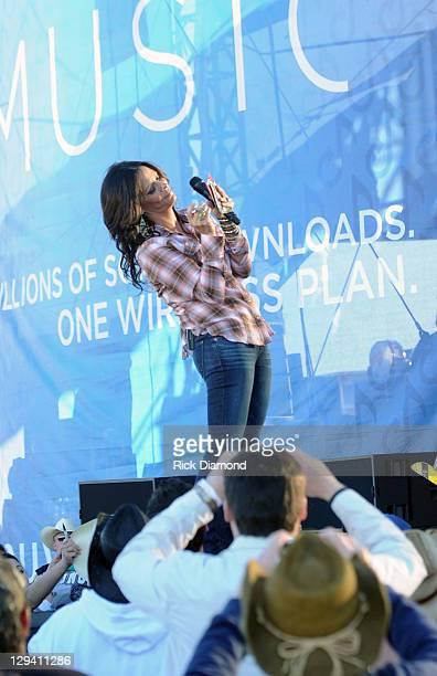 Singer/songwriter Sara Evans performs during Country Thunder Arizona Day 4 on April 10 2011 in Florence Arizona
