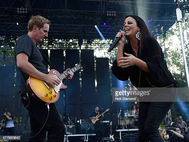 Singer/Songwriter Sara Evans performs during The 4th Annual Pepsi's Rock The South Festival Day 2 at Heritage Park in Cullman Alabama