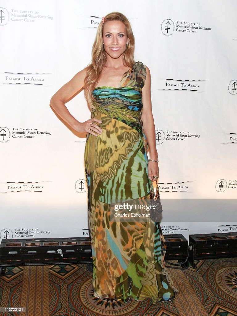 Singer/songwriter Sheryl Crow attends the Society of Memorial SloanKettering Cancer Center's 2011 Spring Ball at The Pierre Hotel on May 4 2011 in...