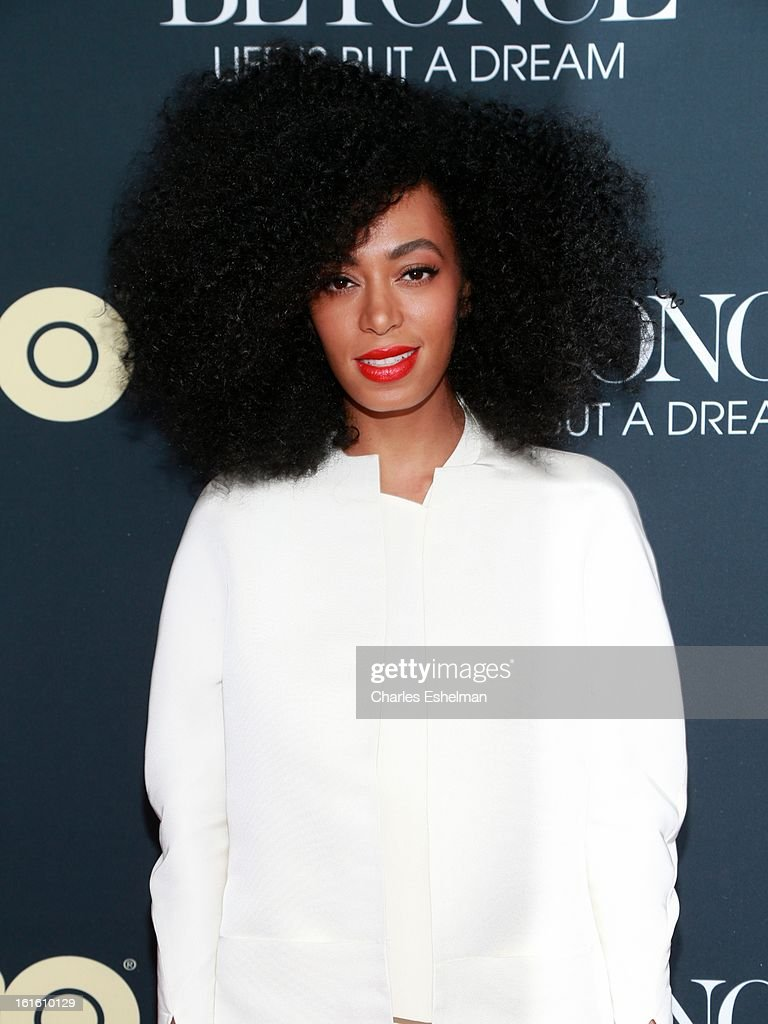 Singer/songwriter Solange Knowles arrives at 'Beyonce: Life Is But A Dream' New York Premiere at Ziegfeld Theater on February 12, 2013 in New York City.