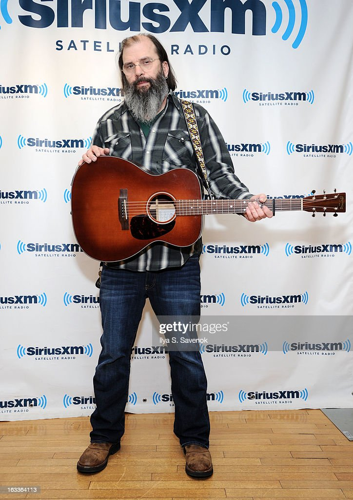 Singer-songwriter <a gi-track='captionPersonalityLinkClicked' href=/galleries/search?phrase=Steve+Earle&family=editorial&specificpeople=214591 ng-click='$event.stopPropagation()'>Steve Earle</a> visits the SiriusXM Studios on March 8, 2013 in New York City.