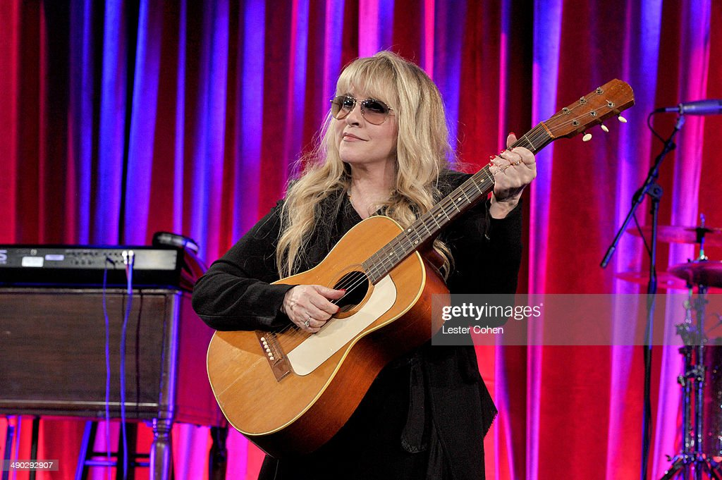 Singer-songwriter <a gi-track='captionPersonalityLinkClicked' href=/galleries/search?phrase=Stevie+Nicks&family=editorial&specificpeople=212751 ng-click='$event.stopPropagation()'>Stevie Nicks</a> accepts the BMI Icon Award onstage at the 2014 BMI Pop Awards at the Beverly Wilshire Four Seasons Hotel on May 13, 2014 in Beverly Hills, California.