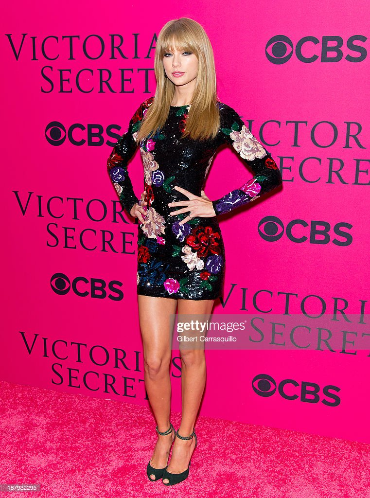 Singer/songwriter <a gi-track='captionPersonalityLinkClicked' href=/galleries/search?phrase=Taylor+Swift&family=editorial&specificpeople=619504 ng-click='$event.stopPropagation()'>Taylor Swift</a> attends the 2013 Victoria's Secret Fashion Show at Lexington Avenue Armory on November 13, 2013 in New York City.