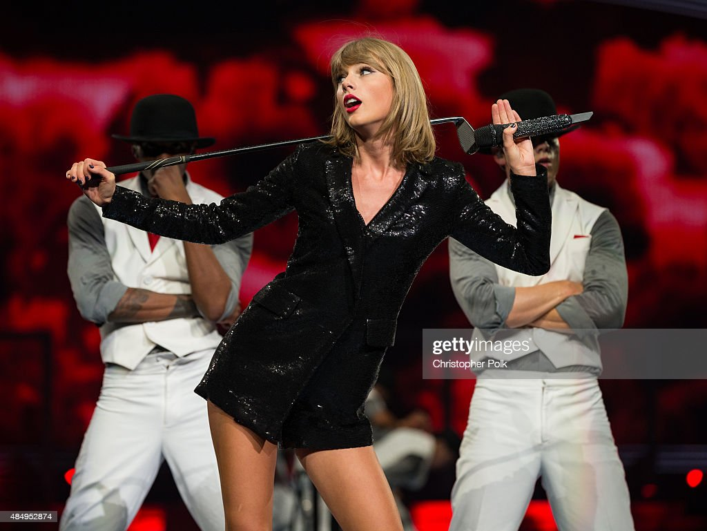 Singer-songwriter Taylor Swift performs onstage during Taylor Swift The 1989 World Tour Live In Los Angeles at Staples Center on August 22, 2015 in Los Angeles, California.