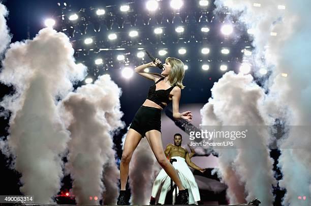 Singer/songwriter Taylor Swift performs onstage during The 1989 World Tour live in Nashville at Bridgestone Arena on September 25 2015 in Nashville...