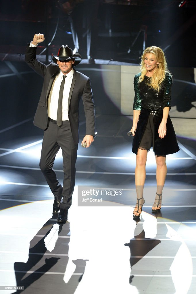 Singer/songwriter Tim McGraw (L) and singer <a gi-track='captionPersonalityLinkClicked' href=/galleries/search?phrase=Faith+Hill&family=editorial&specificpeople=175933 ng-click='$event.stopPropagation()'>Faith Hill</a> perform during the opening weekend of their limited-engagement 'Soul2Soul' show at The Venetian on December 8, 2012 in Las Vegas, Nevada. The country music couple is scheduled to perform on 10 weekends through April 2013.