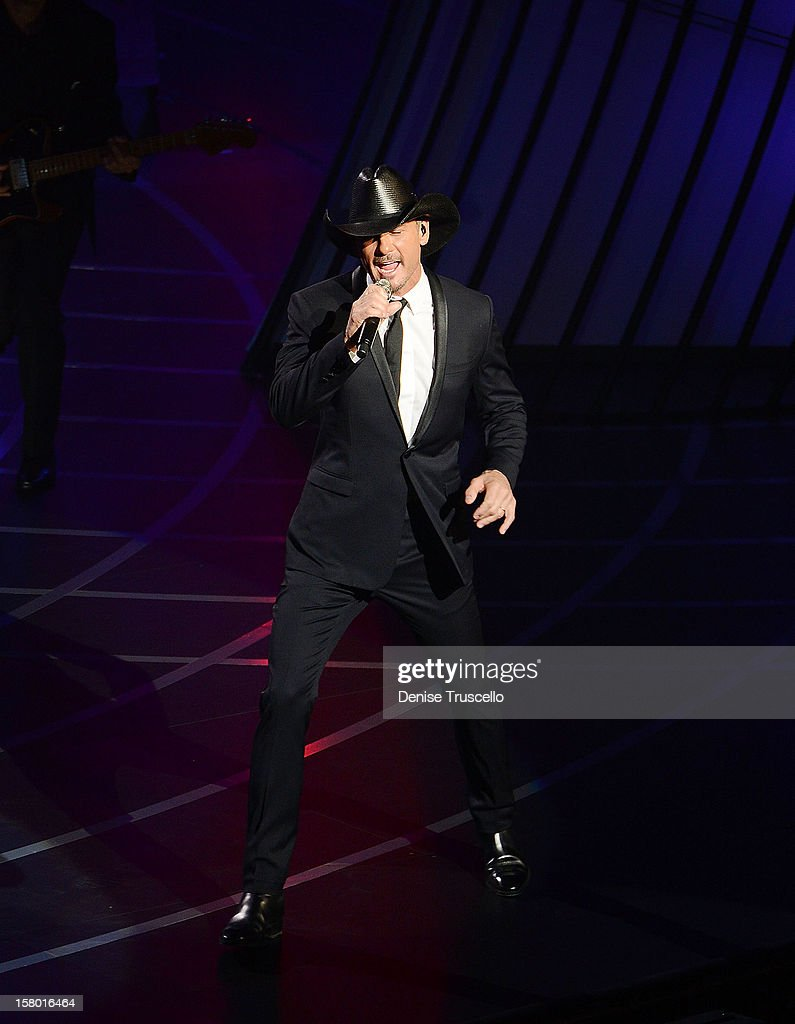 Singer/songwriter <a gi-track='captionPersonalityLinkClicked' href=/galleries/search?phrase=Tim+McGraw&family=editorial&specificpeople=202845 ng-click='$event.stopPropagation()'>Tim McGraw</a> performs during the opening weekend of his limited-engagement 'Soul2Soul' show with his wife, singer Faith Hill, at The Venetian on December 8, 2012 in Las Vegas, Nevada. The country music couple is scheduled to perform on 10 weekends through April 2013.