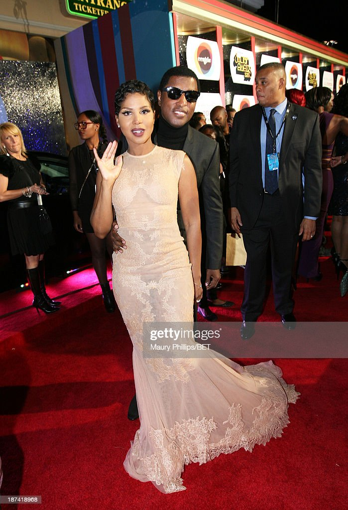 Singer/songwriter <a gi-track='captionPersonalityLinkClicked' href=/galleries/search?phrase=Toni+Braxton&family=editorial&specificpeople=213737 ng-click='$event.stopPropagation()'>Toni Braxton</a> (L) and musician Kenneth '<a gi-track='captionPersonalityLinkClicked' href=/galleries/search?phrase=Babyface&family=editorial&specificpeople=227435 ng-click='$event.stopPropagation()'>Babyface</a>' Edmonds attend the Soul Train Awards 2013 at the Orleans Arena on November 8, 2013 in Las Vegas, Nevada.