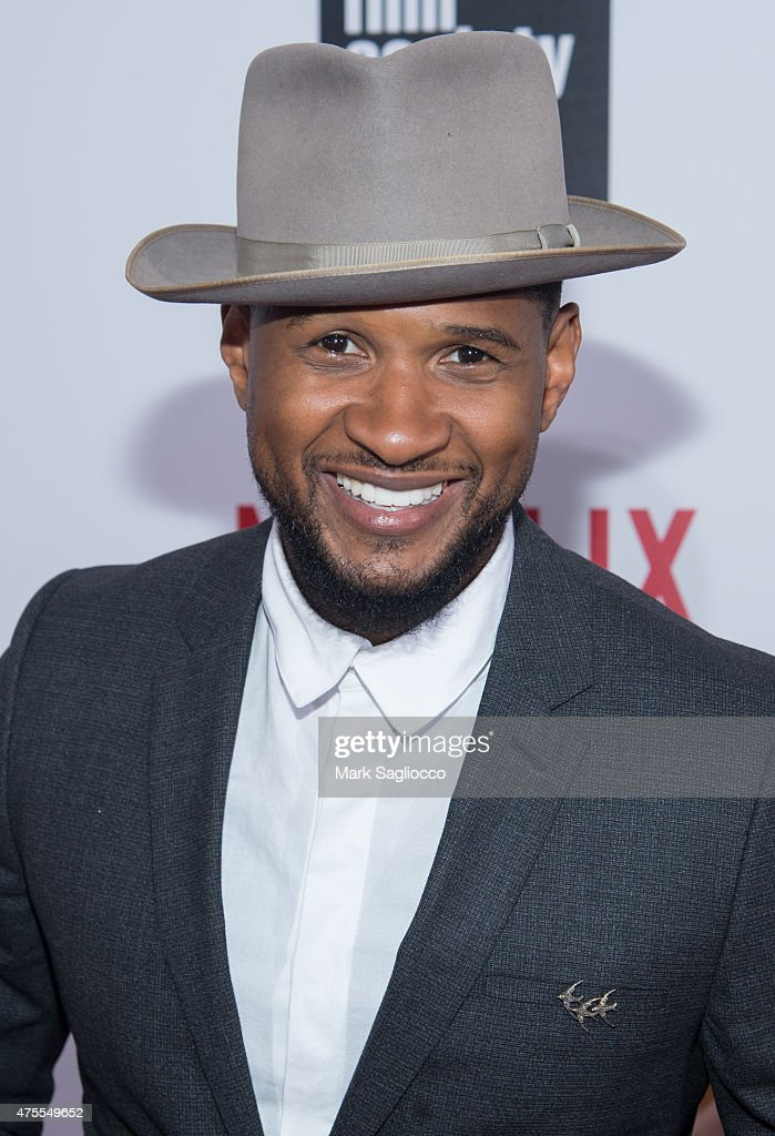 Singer/Songwriter <a gi-track='captionPersonalityLinkClicked' href=/galleries/search?phrase=Usher+-+S%C3%A5ngare&family=editorial&specificpeople=201477 ng-click='$event.stopPropagation()'>Usher</a> attends the 'What Happened, Miss Simone' New York Premiere at The Apollo Theater on June 1, 2015 in New York City.