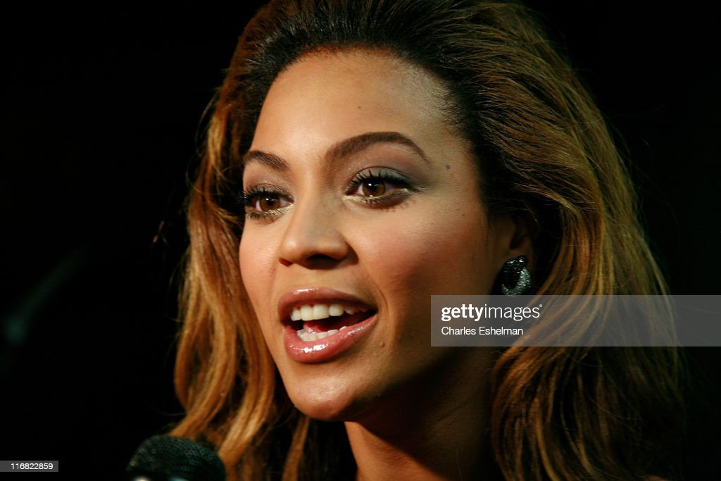 actress beyonce knowles attends the premiere of 39 cadillac records. Cars Review. Best American Auto & Cars Review