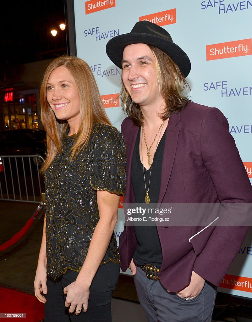Singer/songwriters Schuyler Fisk (L) and Tim Myers arrive at the premiere of Relativity Media's 'Safe Haven' at TCL Chinese Theatre on February 5, 2013 in Hollywood, California.