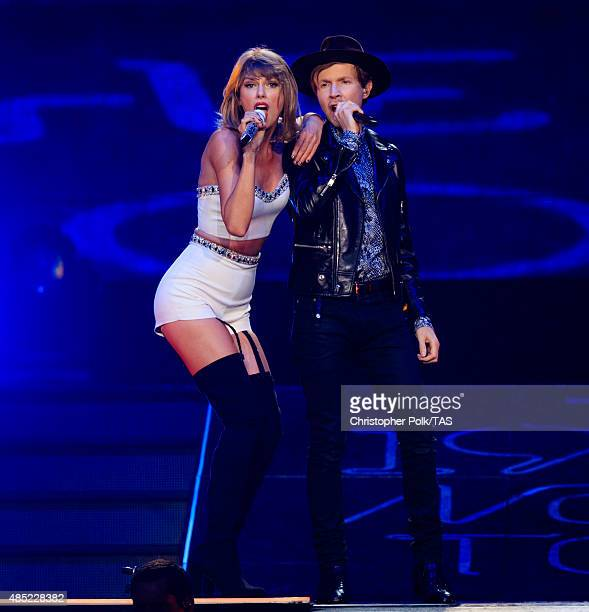 Singersongwriters Taylor Swift and Beck perform onstage during Taylor Swift The 1989 World Tour Live In Los Angeles at Staples Center on August 25...