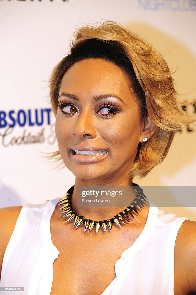 Singer/sonwriter <a gi-track='captionPersonalityLinkClicked' href=/galleries/search?phrase=Keri+Hilson&family=editorial&specificpeople=4340776 ng-click='$event.stopPropagation()'>Keri Hilson</a> arrives at the Pure Nightclub at Caesars Palace on March 23, 2013 in Las Vegas, Nevada.