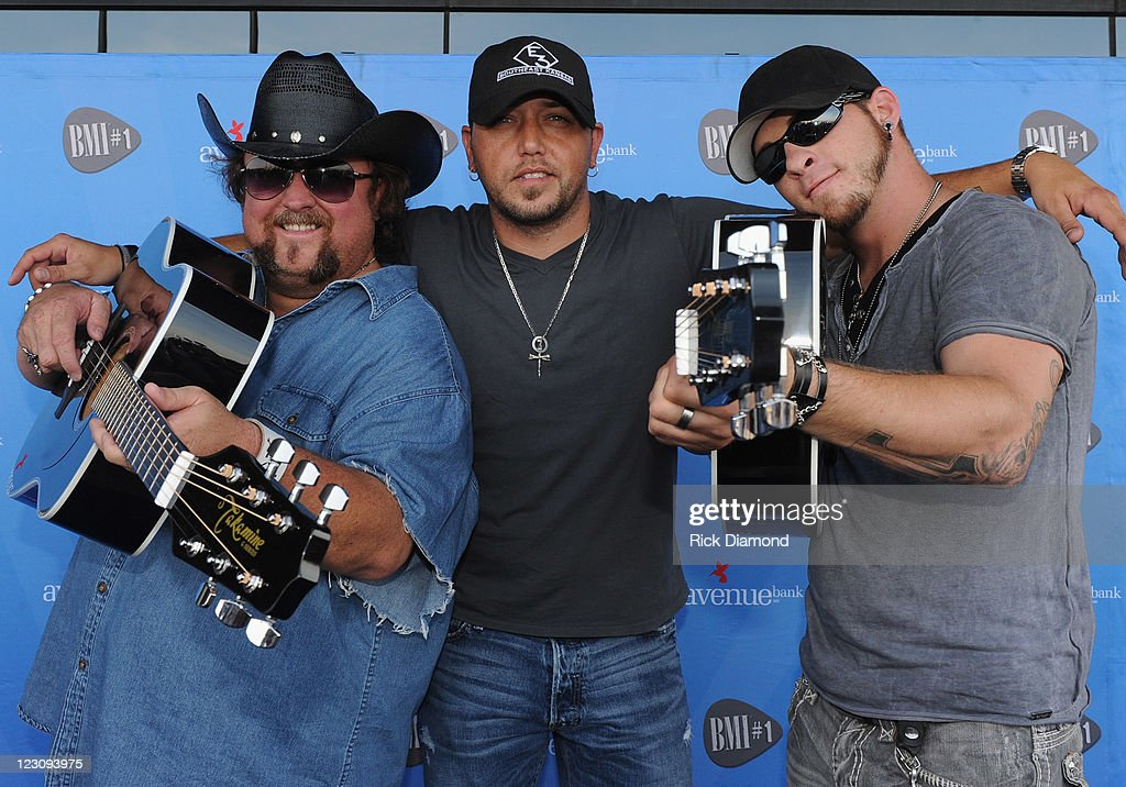 BMI #1 Party For Dirt Road Anthem Performed By Jason Aldean