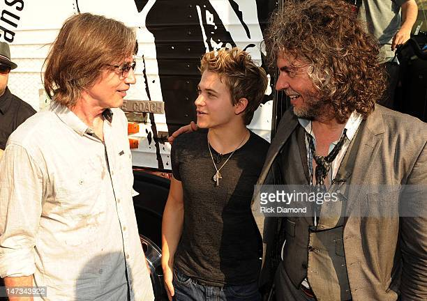 Singers/Songwriters Jackson Browne Hunter Hayes and Wayne Coyne of The Flaming Lips backstage during the MTV VH1 CMT LOGO O Music awards at Bennys...